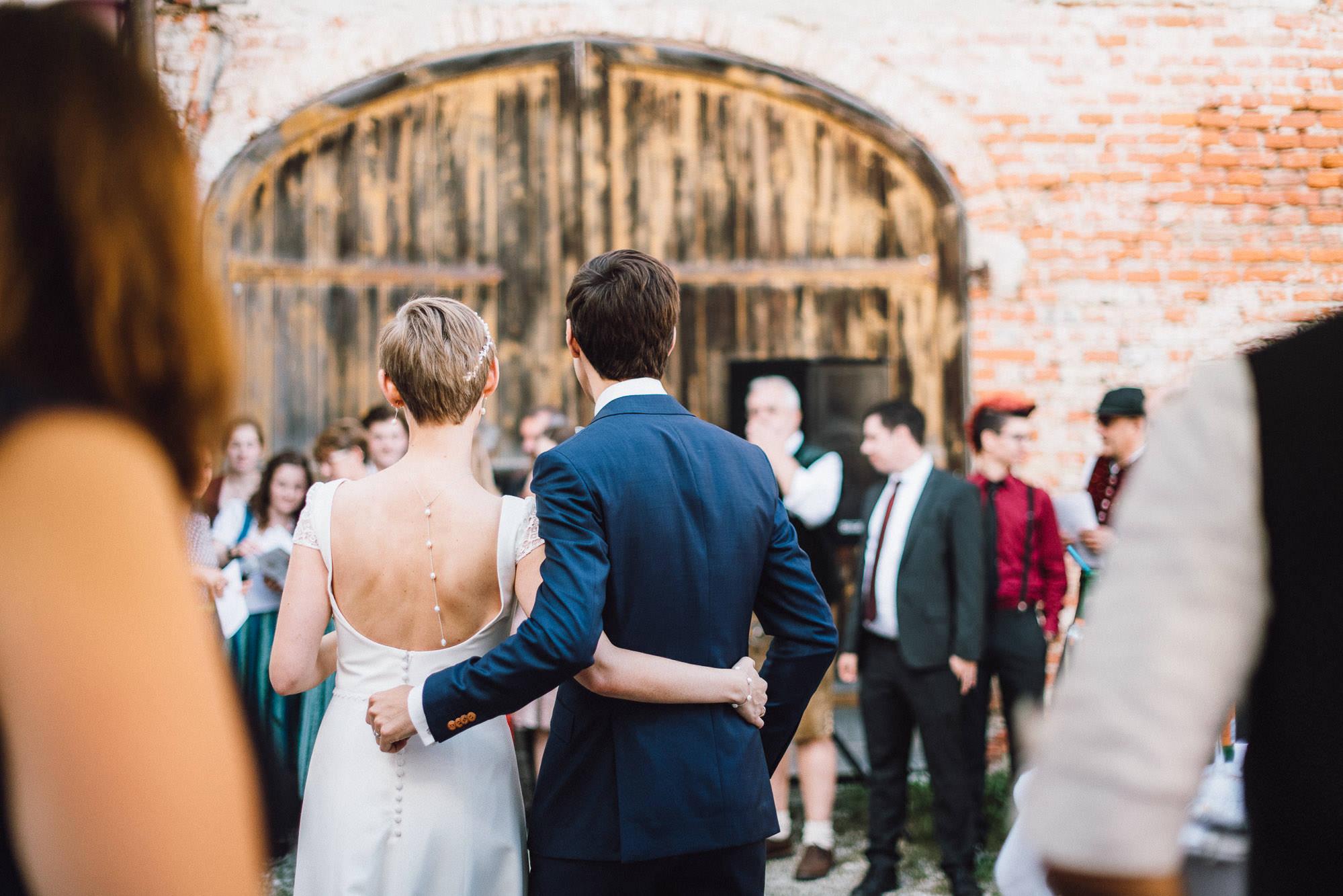 greenery-wedding-hochzeit-prielhof-sukkulenten-scheyern-lauraelenaphotography-071