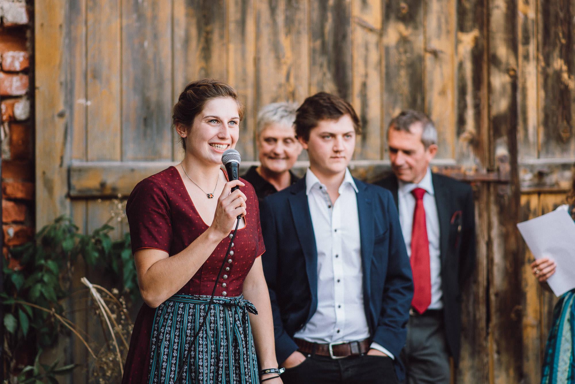 greenery-wedding-hochzeit-prielhof-sukkulenten-scheyern-lauraelenaphotography-073