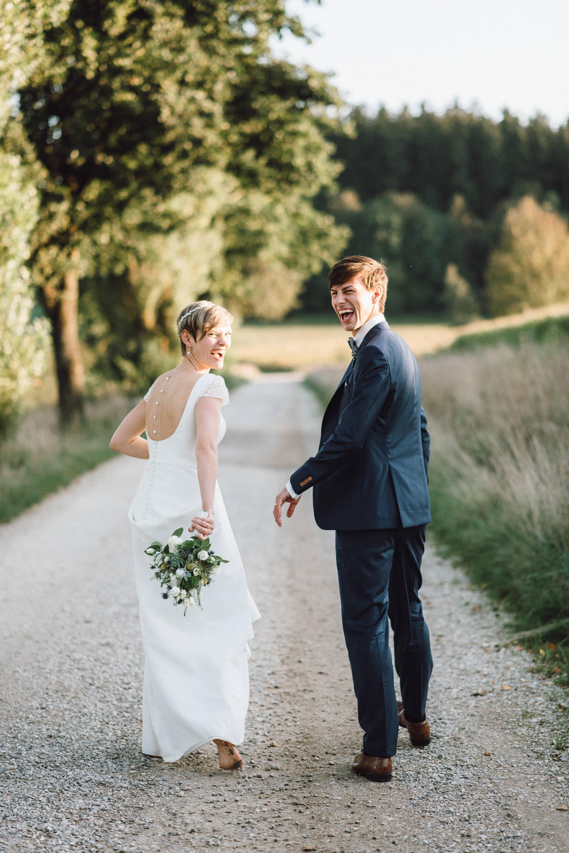 greenery-wedding-hochzeit-prielhof-sukkulenten-scheyern-lauraelenaphotography-078