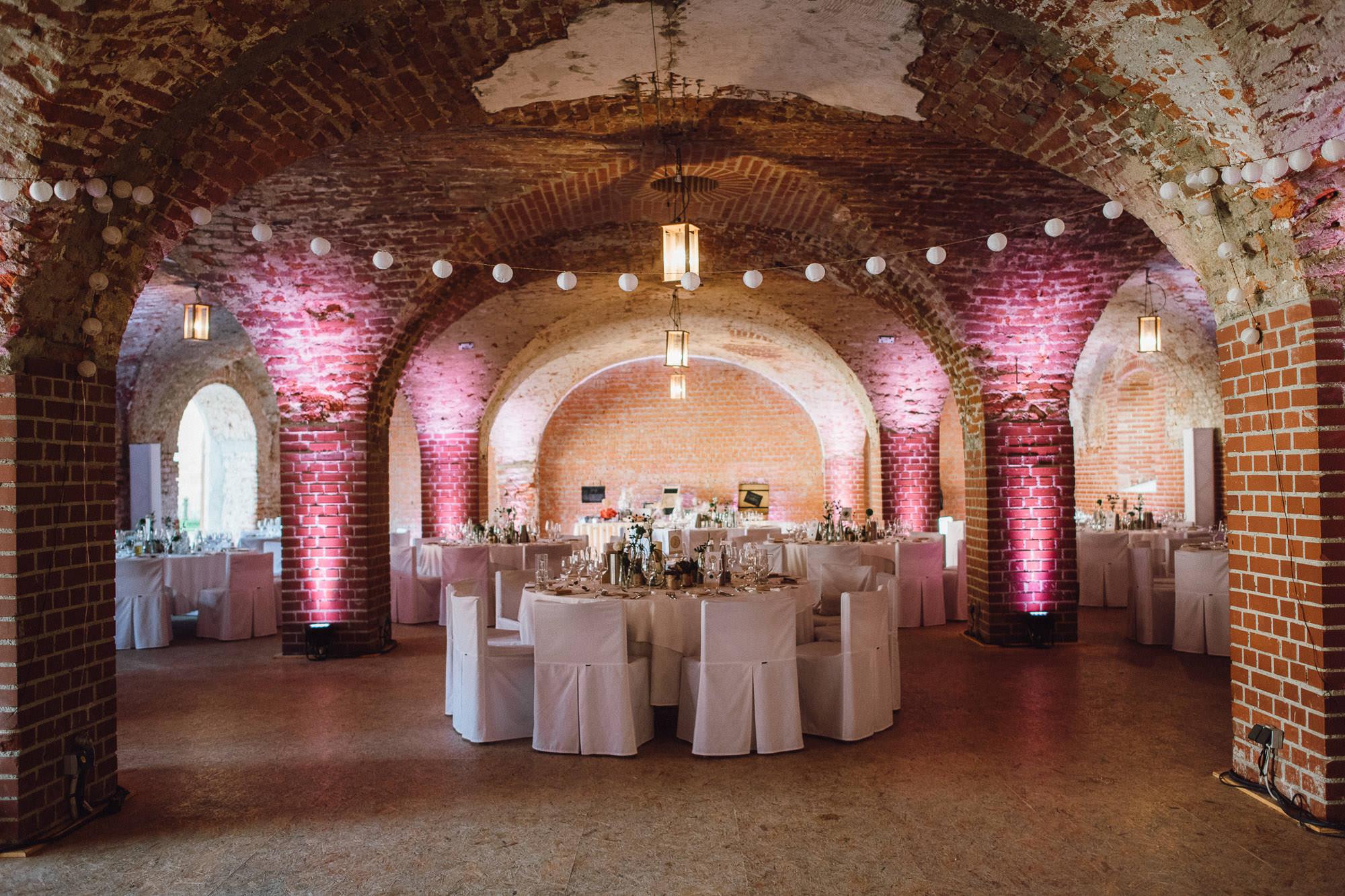 greenery-wedding-hochzeit-prielhof-sukkulenten-scheyern-lauraelenaphotography-092