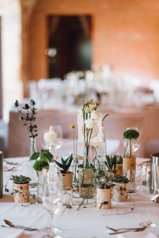 greenery-wedding-hochzeit-prielhof-sukkulenten-scheyern-lauraelenaphotography-094