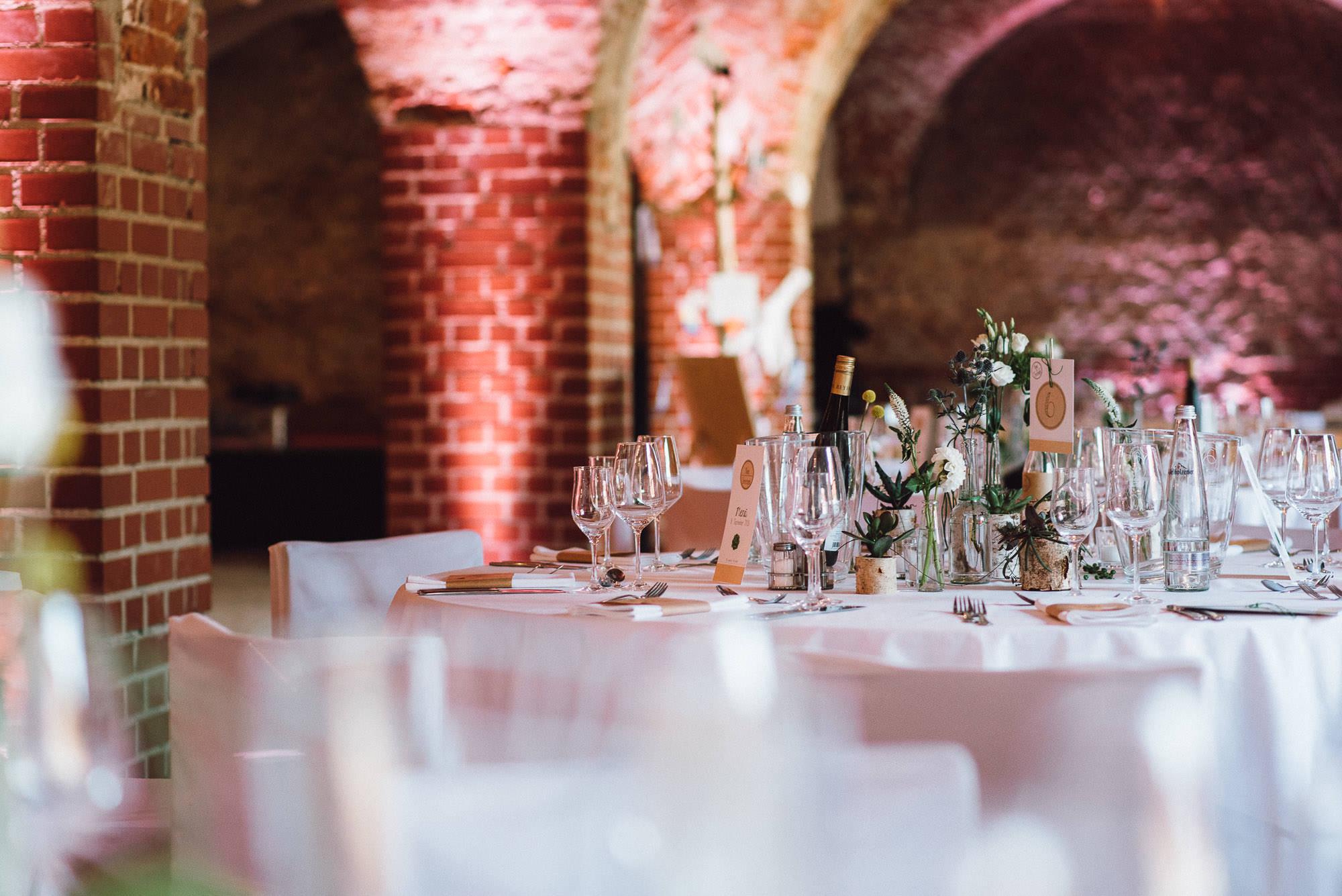 greenery-wedding-hochzeit-prielhof-sukkulenten-scheyern-lauraelenaphotography-095