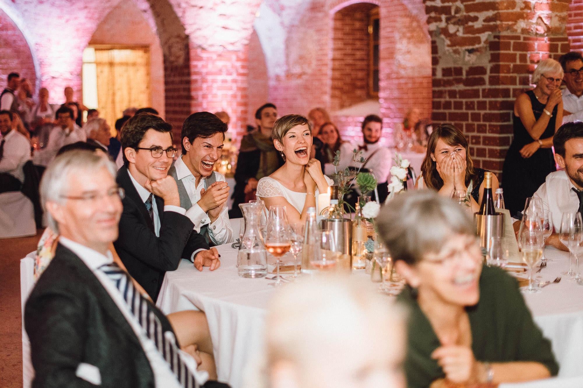greenery-wedding-hochzeit-prielhof-sukkulenten-scheyern-lauraelenaphotography-112