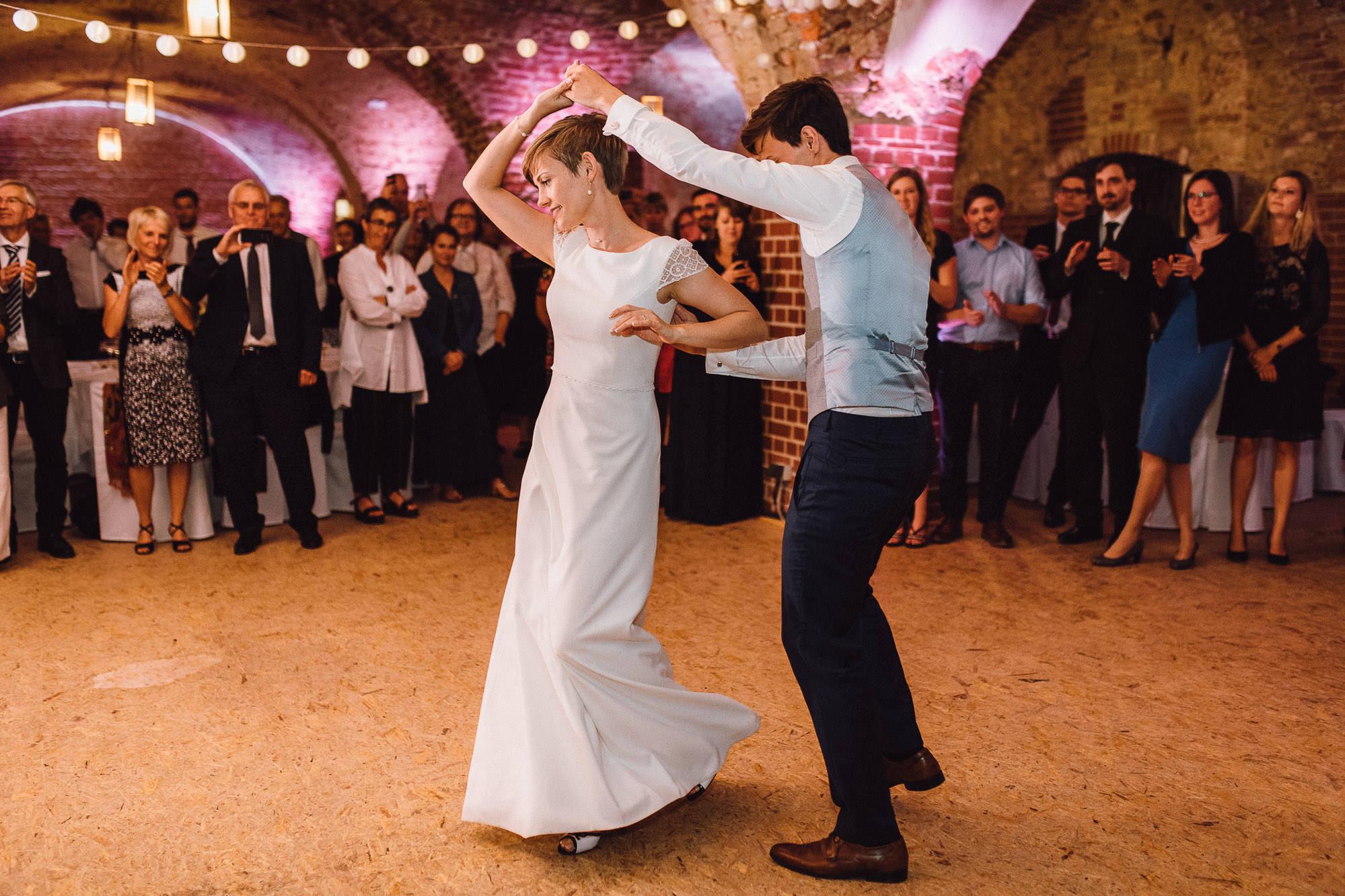greenery-wedding-hochzeit-prielhof-sukkulenten-scheyern-lauraelenaphotography-115
