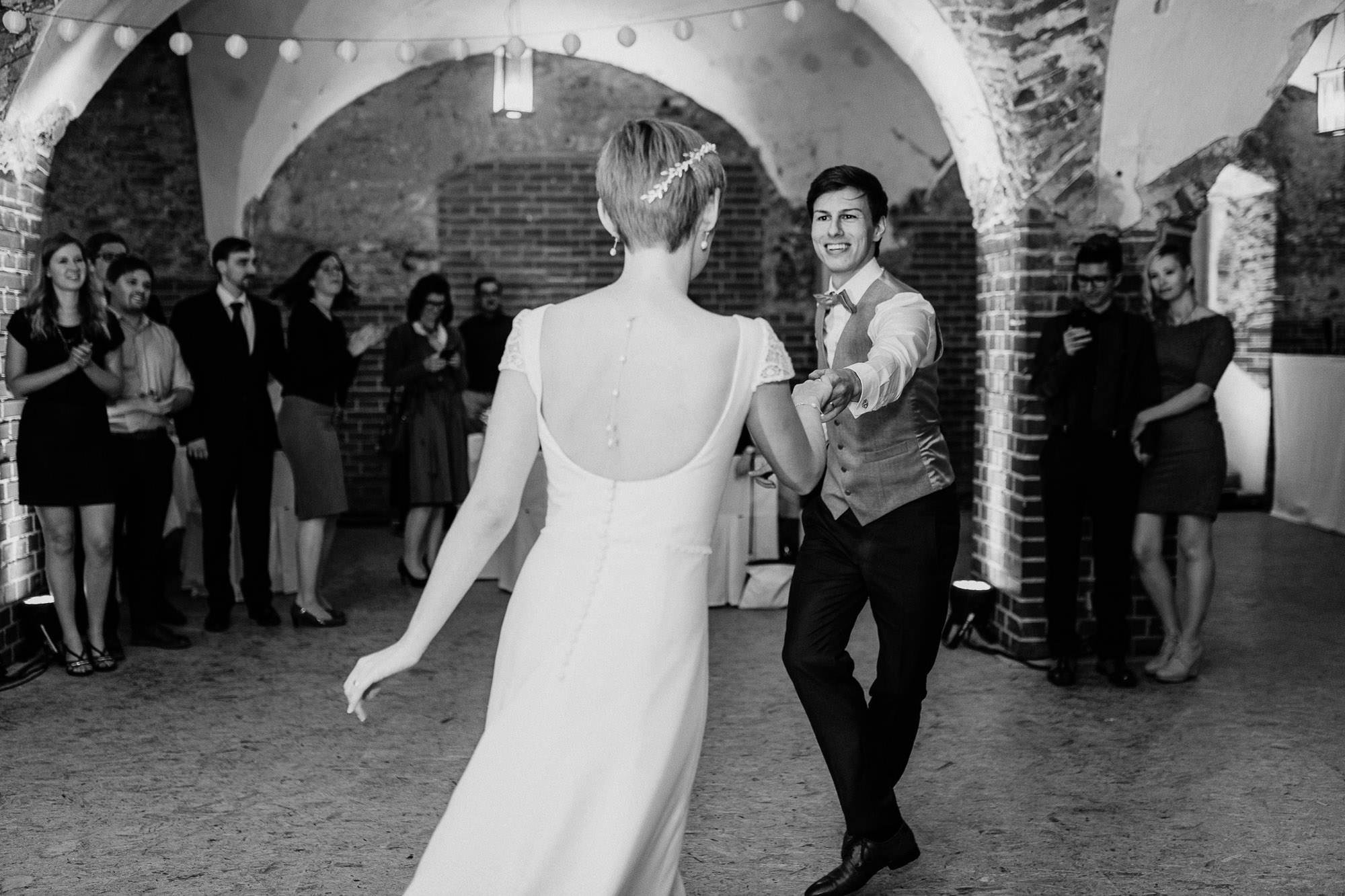 greenery-wedding-hochzeit-prielhof-sukkulenten-scheyern-lauraelenaphotography-116