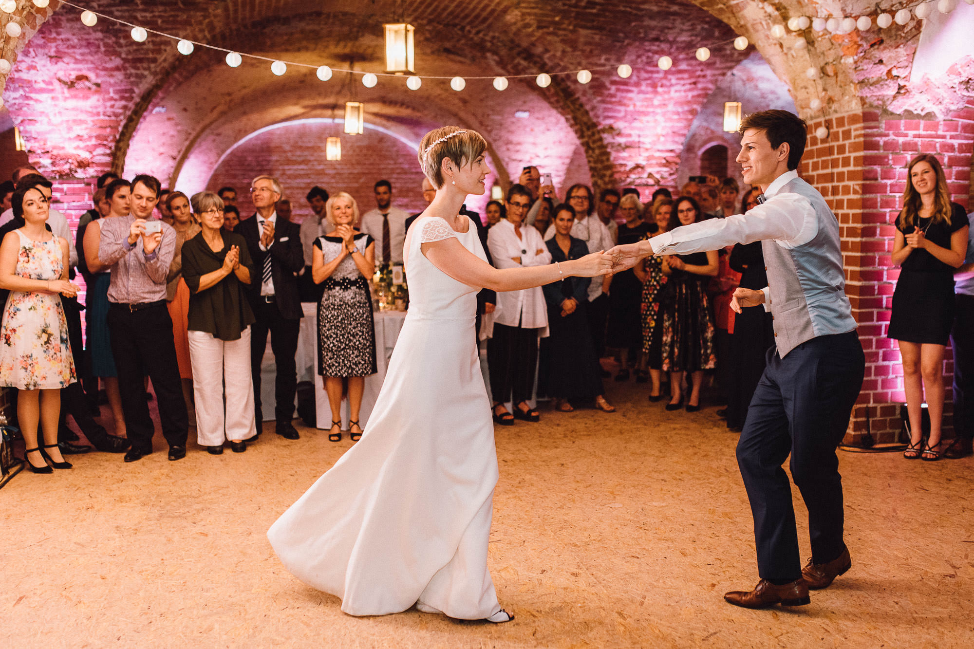 greenery-wedding-hochzeit-prielhof-sukkulenten-scheyern-lauraelenaphotography-118