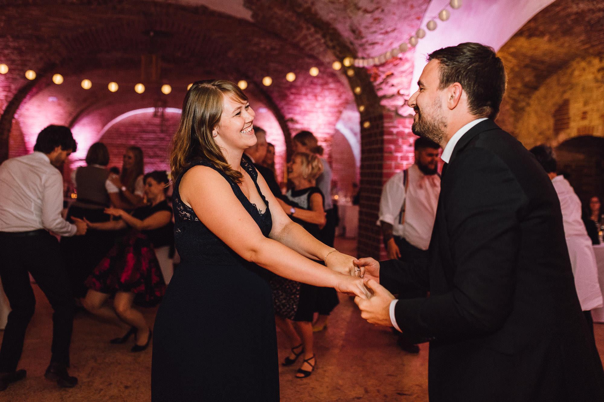 greenery-wedding-hochzeit-prielhof-sukkulenten-scheyern-lauraelenaphotography-120
