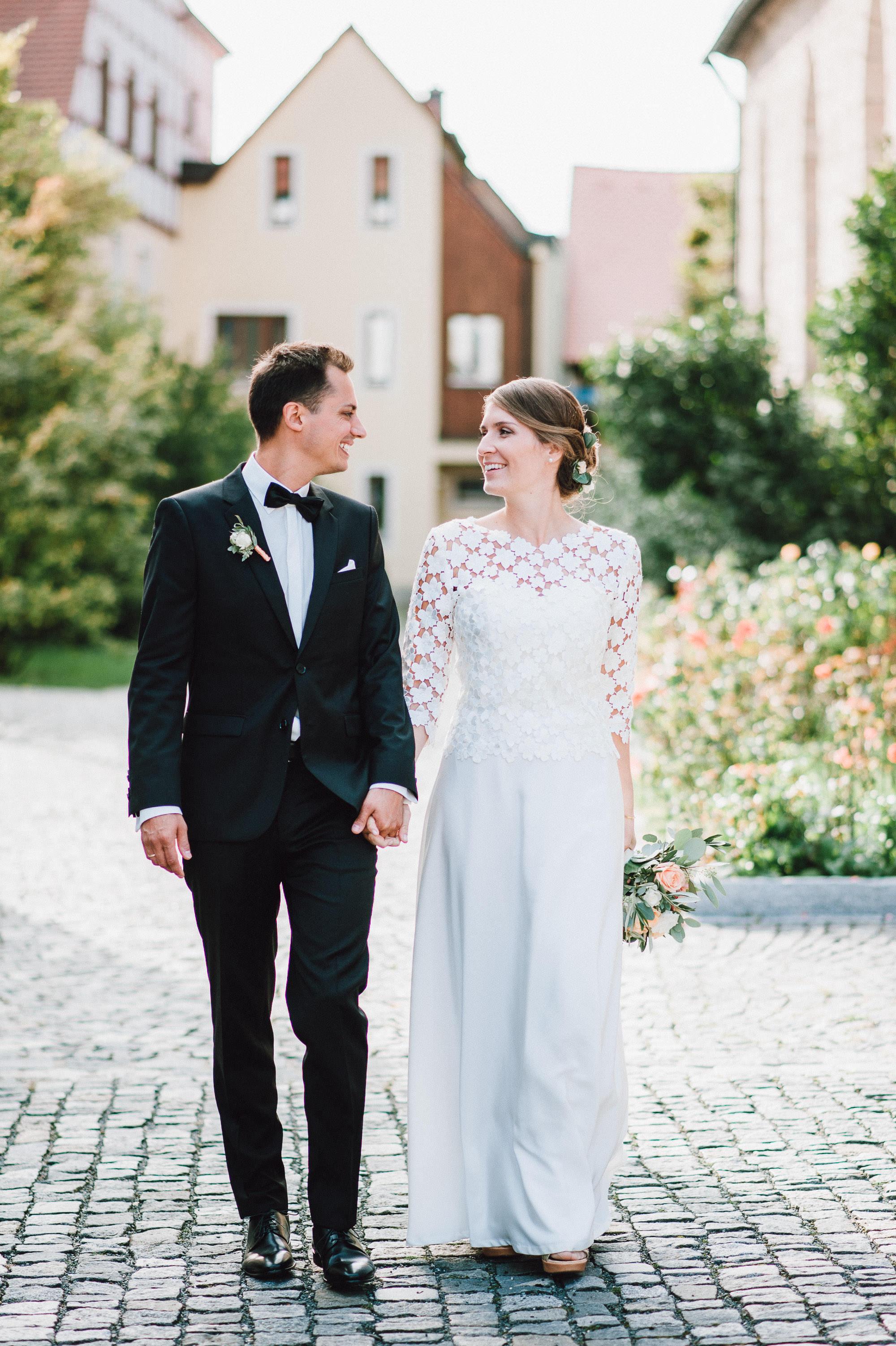 modern-urban-industrial-wedding-poolhaus-nuernberg-hochzeit-080