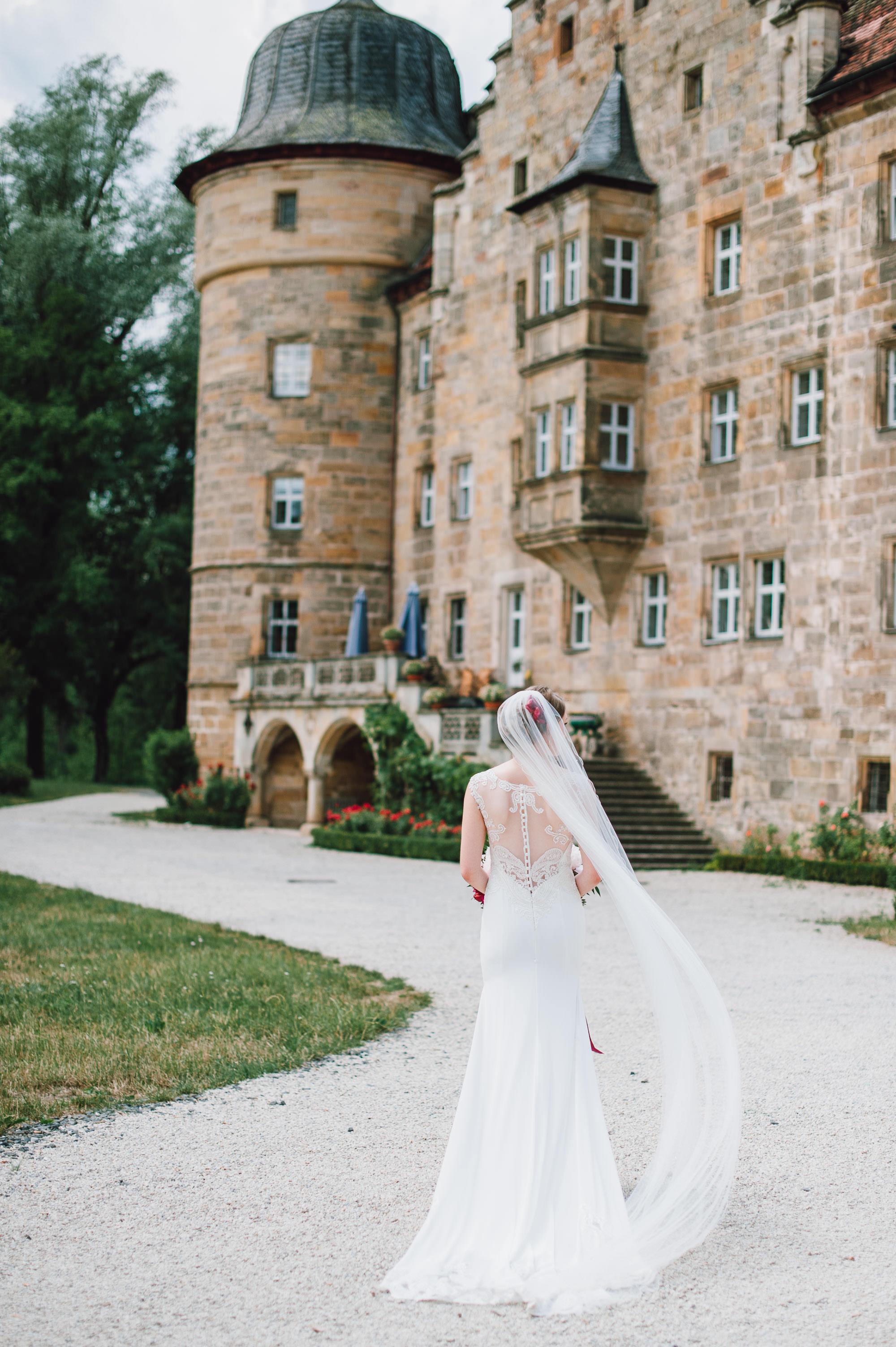 rustic-elegant-wedding-schloss-hochzeit-eyrichshof-franken-bamberg-034