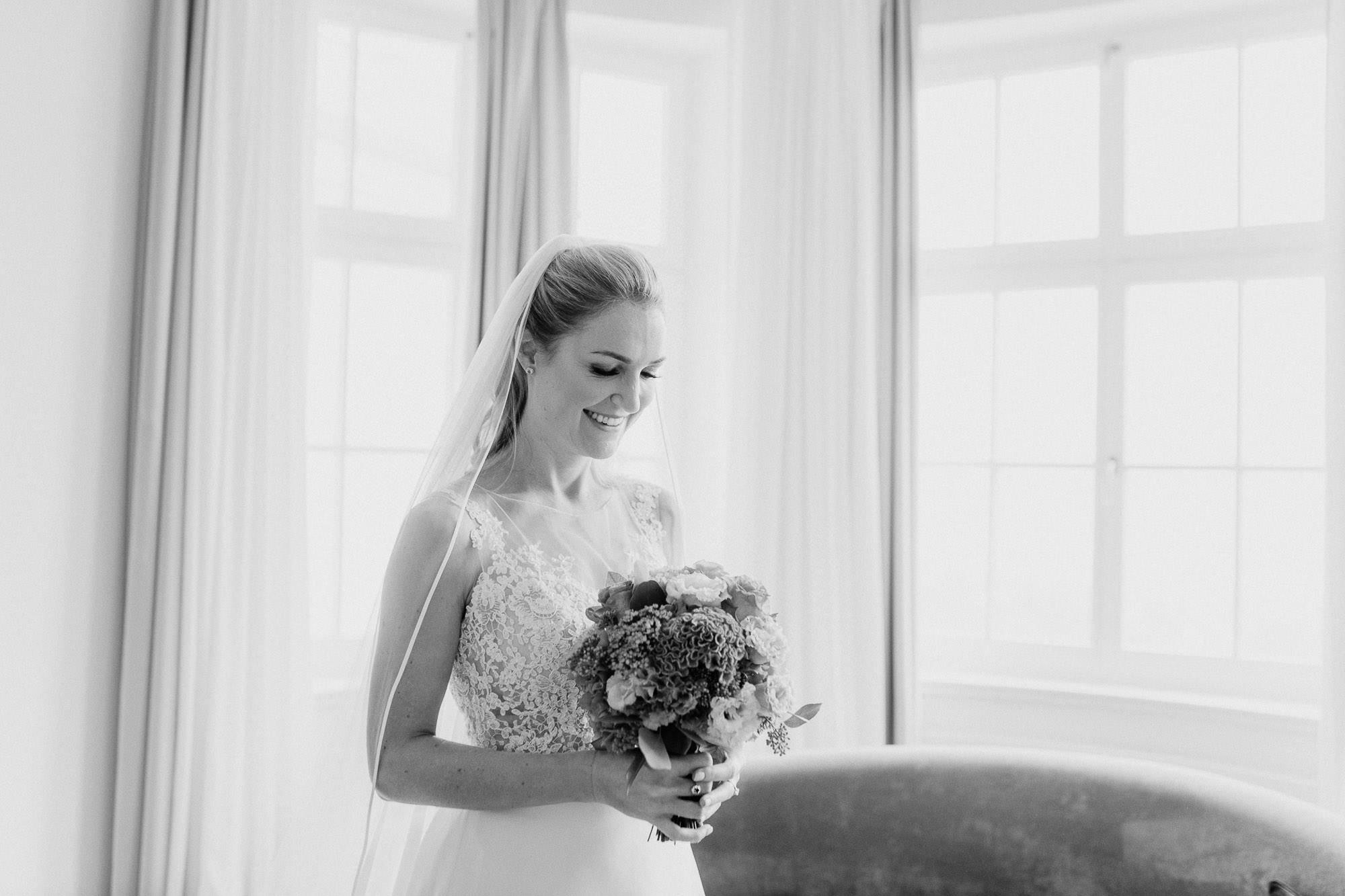 Schwarz Weiß Portrait der Braut